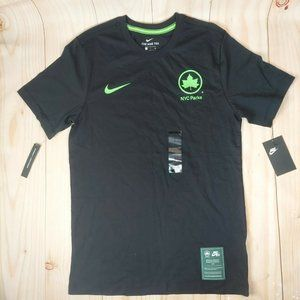 Nike Mens NYC Black New York Parks And Recreation Graphic Tee Shirt Size Small